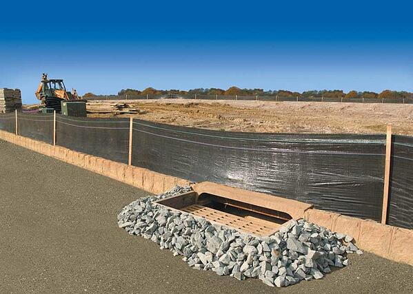 large-silt-fence-912x650